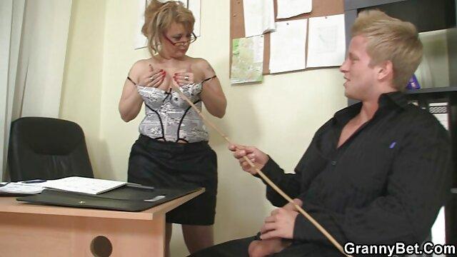 長い髪のふしだらな女は椅子の男をファックする アダルト 無料 動画 鈴木 一徹
