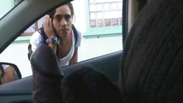 ブルネットは女の子に行き、彼女の母親と一緒に彼女を連れて行った。 鈴木 一徹 アダルト 動画