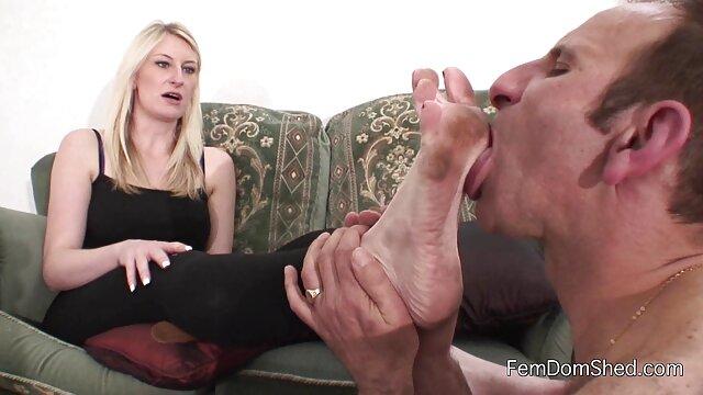 セクシーなmulatto吸うと膣で性交。 アダルト 無料 動画 鈴木 一徹
