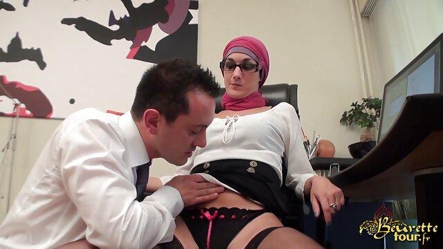 空腹の男性は情熱的な熟女を犯した 一徹 sex 動画