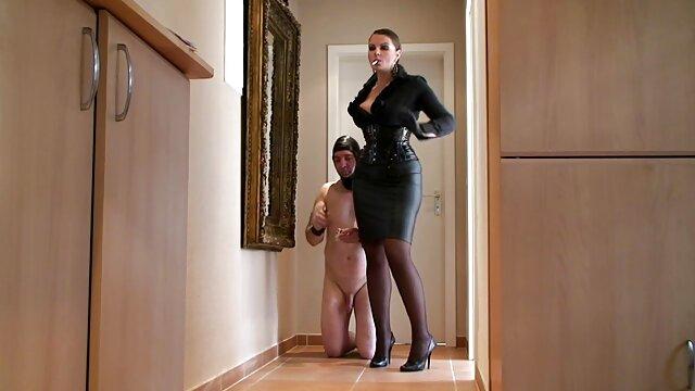 ロシアの女の子はポルノの鋳造をしようとしています。 一徹 エロ 動画