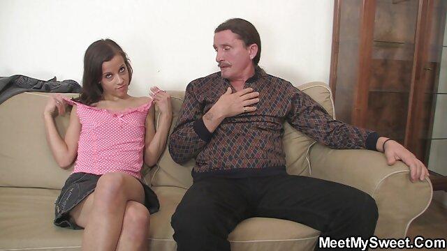 ロシアの若いカップルの性別の床 無料 アダルト 動画 一徹
