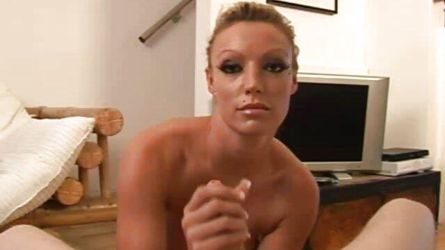 屋外セックスとbustyハンドルは彼女の口の中で終わります 一徹 sex 動画
