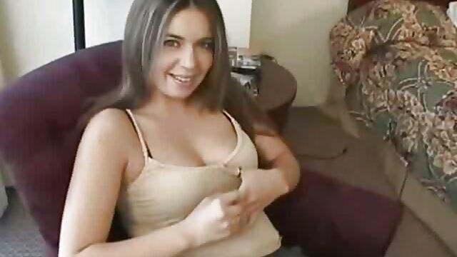 若い隣人は巨乳熟女からフェラチオを得た。 エロ い 動画 鈴木 一徹