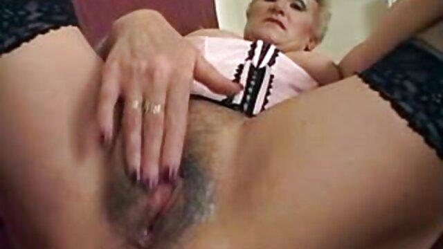 金髪肛門の穴を埋める男 sex 動画 一徹